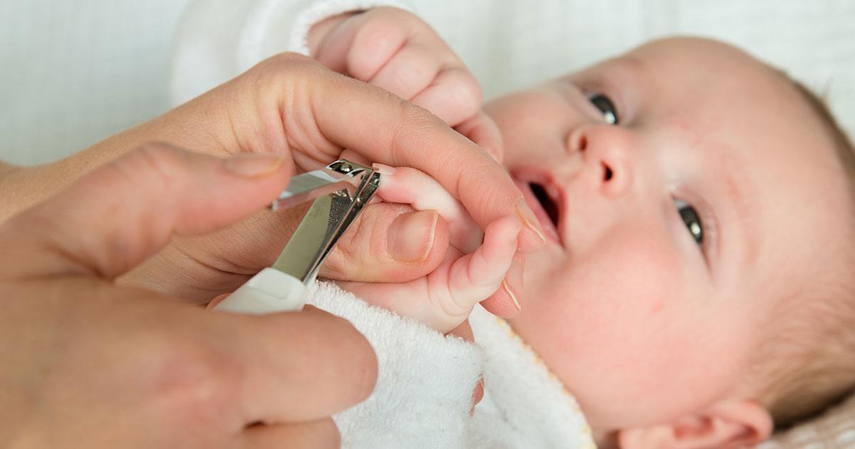 Secretos para cortale las uñas a tu bebé